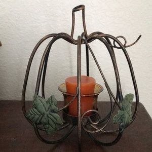 Yankee Candle leaf & vine metal tea light holder!